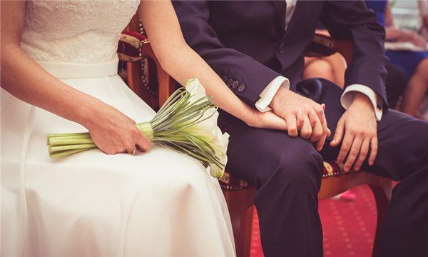 离了婚怎么拿回抚养权